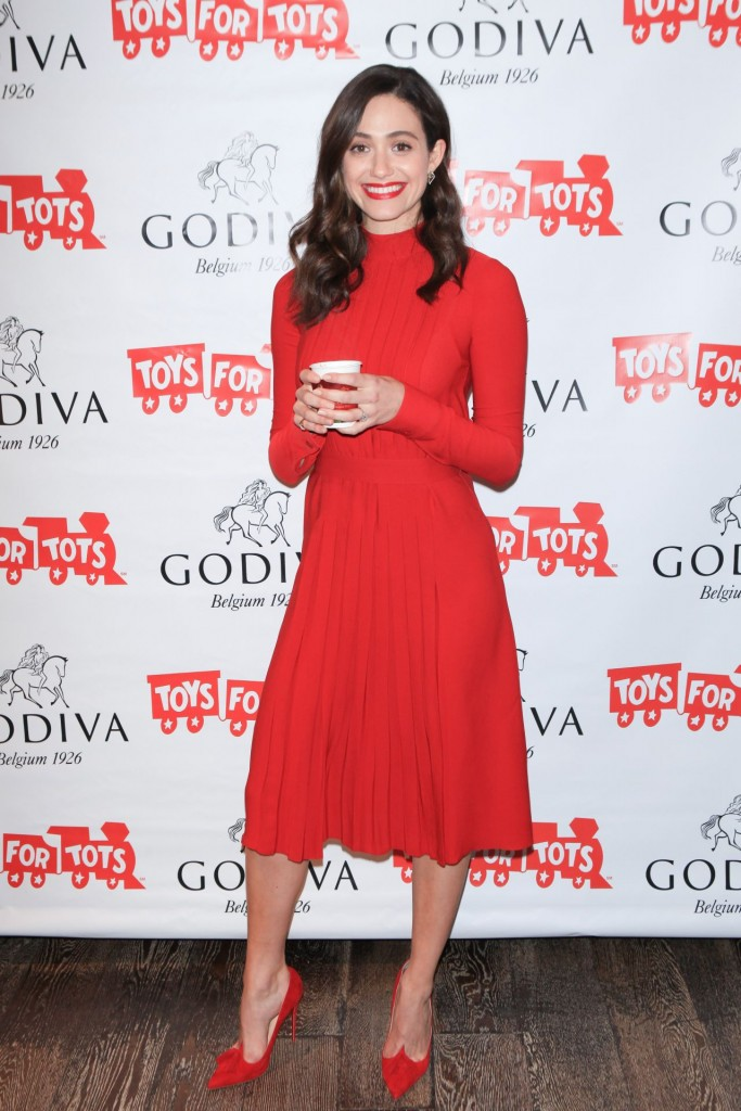 emmy-rossum-hosts-hot-chocolate-for-a-cause-benefit-in-new-york-city-november-2015_8