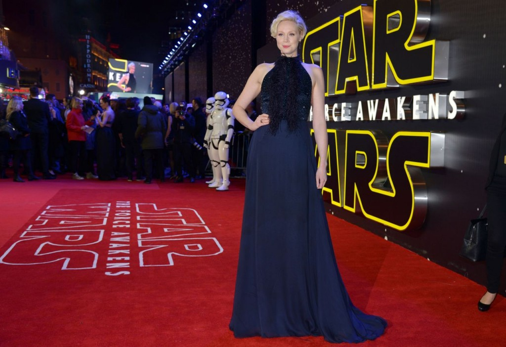 gwendoline-christie-star-wars-the-force-awakens-premiere-at-odeon-leicester-square-london_2