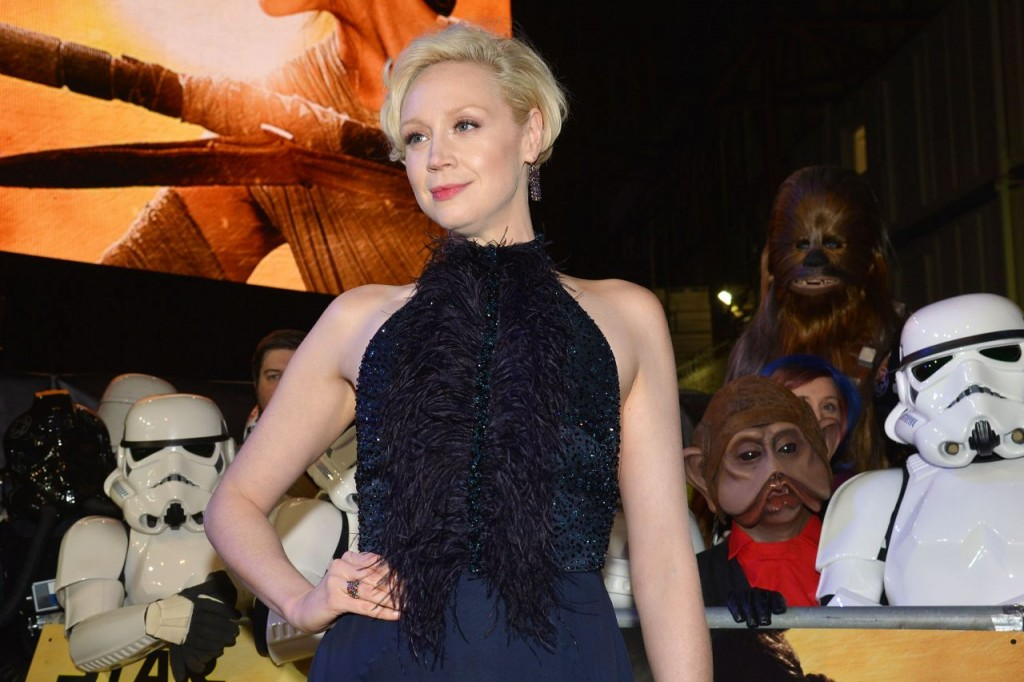 gwendoline-christie-star-wars-the-force-awakens-premiere-at-odeon-leicester-square-london_3
