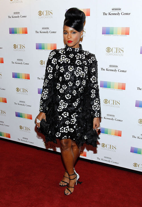 janelle-monae-black-white-dress-kennedy-center-honors-gala-2015-red-carpet-h724