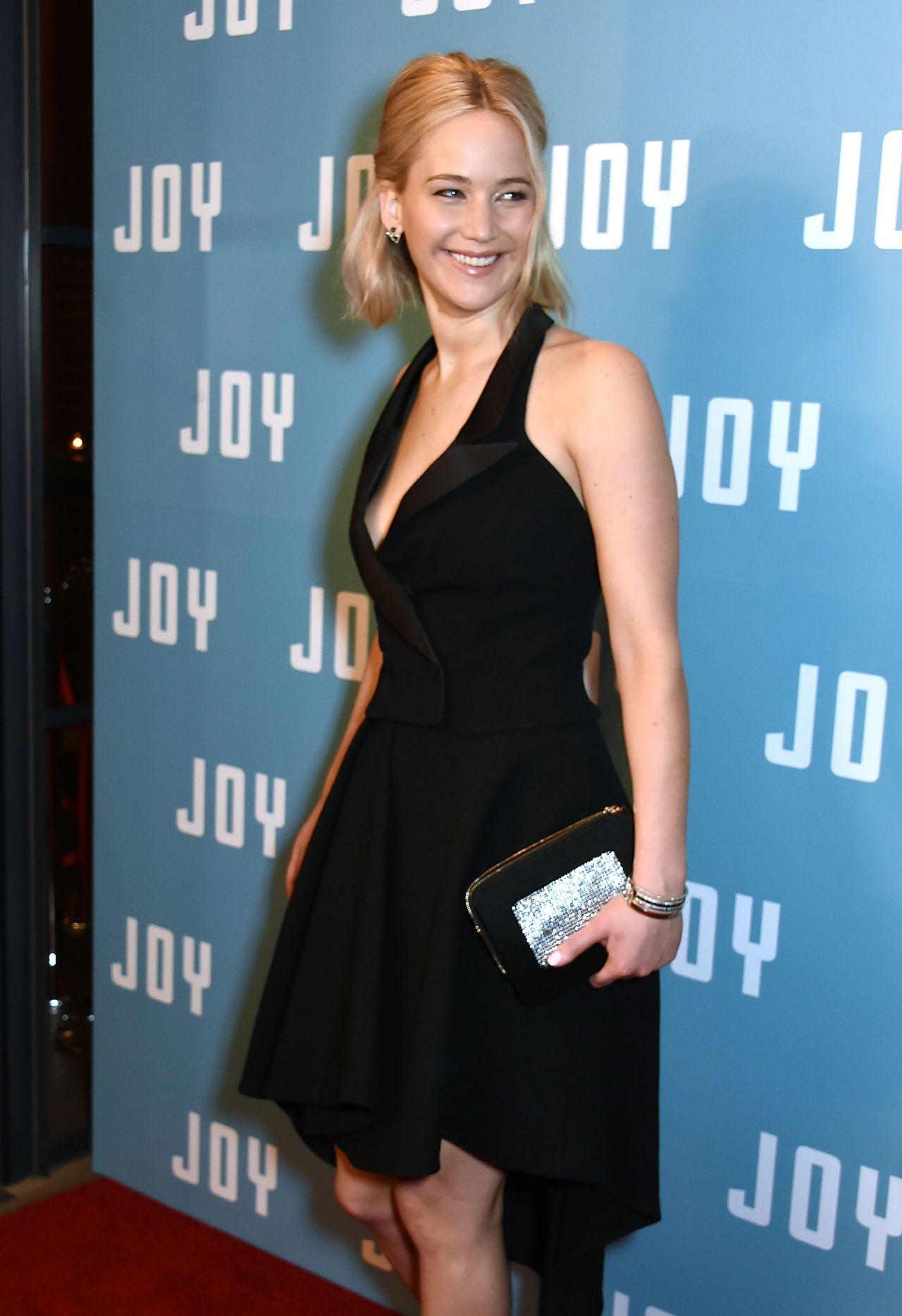 jennifer-lawrence-joy-screening-at-ham-yard-hotel-in-london_7
