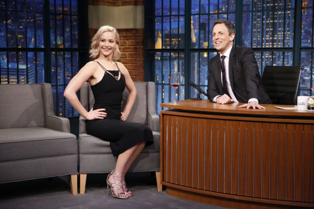 jennifer-lawrence-late-night-with-seth-meyers-in-new-york-city-december-15-2015_5