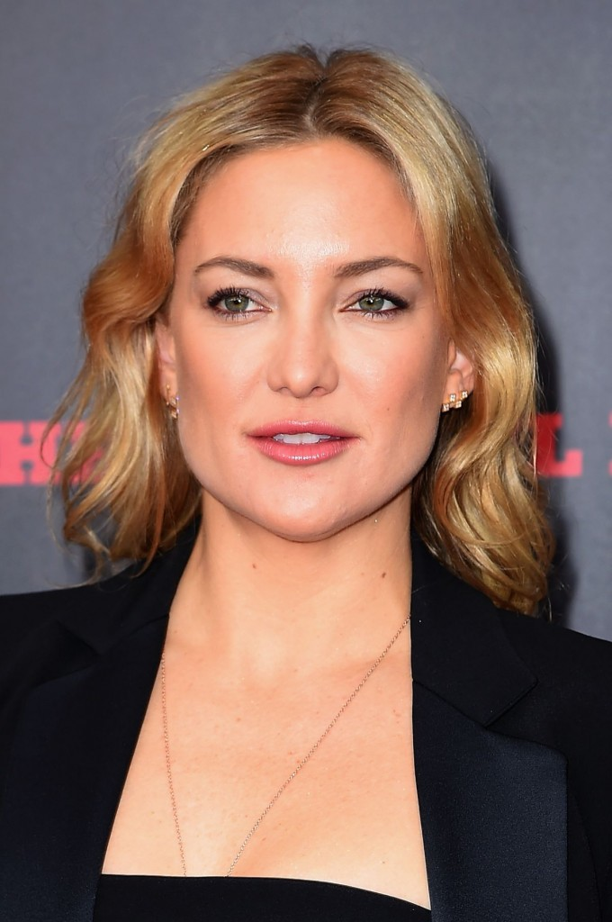 kate-hudson-at-the-hateful-eight-premiere-in-new-york-12-14-2015_6