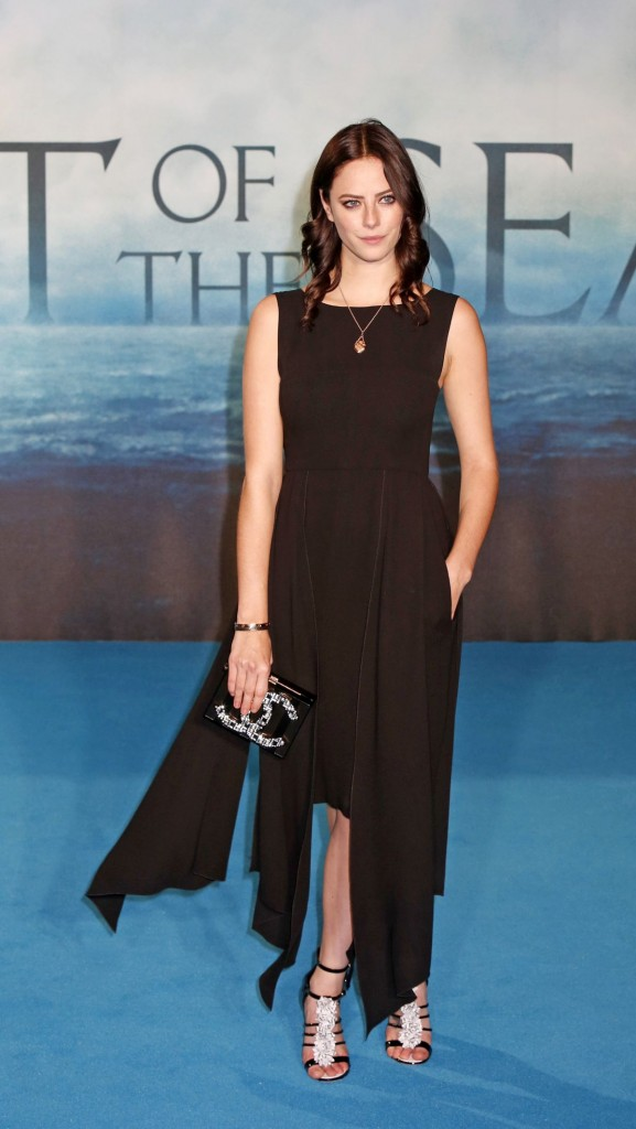 kaya-scodelario-at-in-the-heart-of-the-sea-premiere-in-london-12-02-2015_4