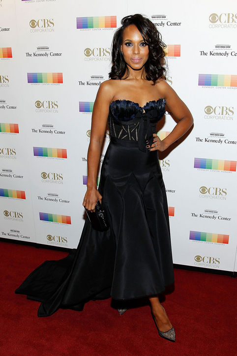 kerry-washington-strapless-black-dress-kennedy-center-honors-gala-2015-red-carpet-h724