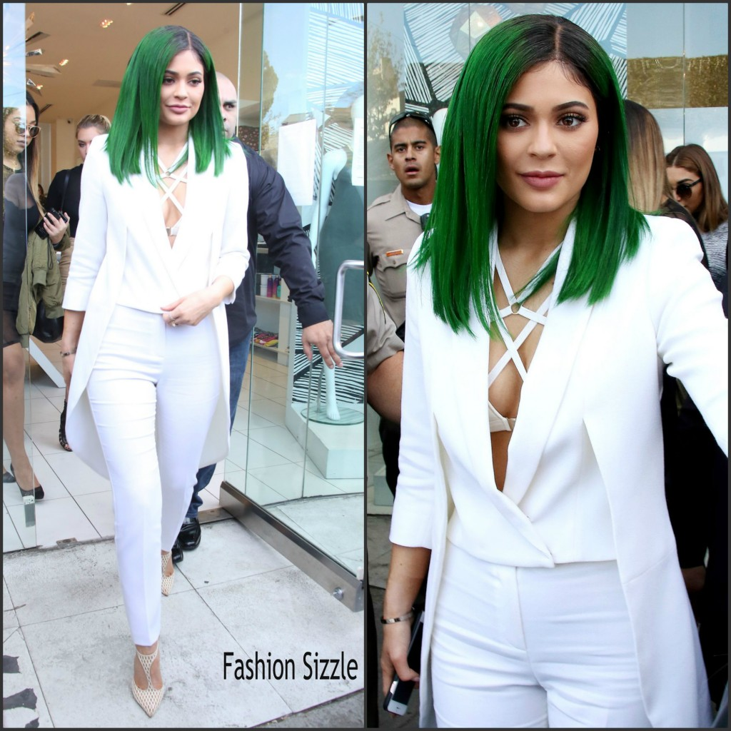 kylie-jenner-in-Olcay-gulsen-lip-kit-by-kylie-jenner-launch-at-dash-in-los-angeles-november-2015-1024×1024