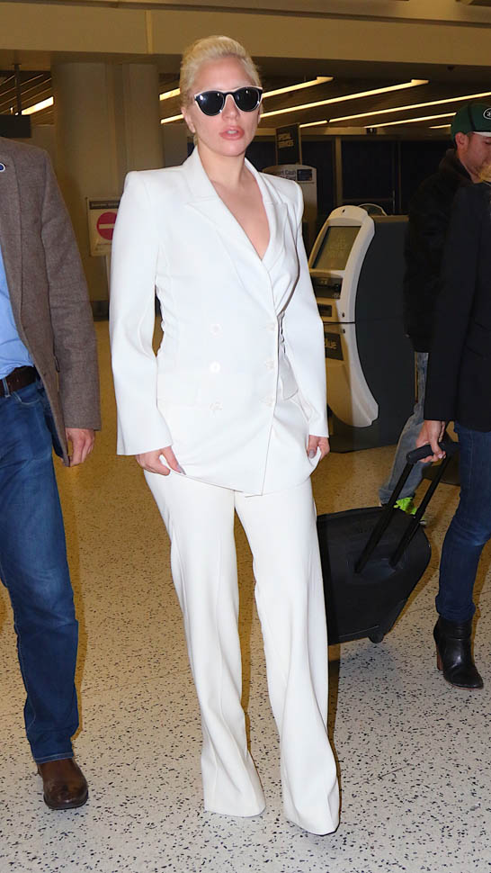 lady-gaga-in-white-suit-jfk-airport-new-york