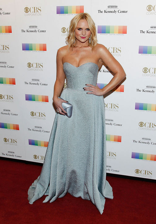 miranda-lambert-blue-strapless-dress-kennedy-center-honors-gala-2015-red-carpet-h724