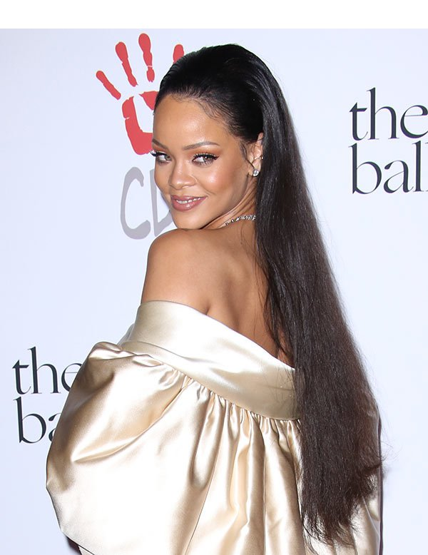 rihanna-in-christian-dior-couture-the-clara-lionel-foundation-2nd-annual-diamond-ball