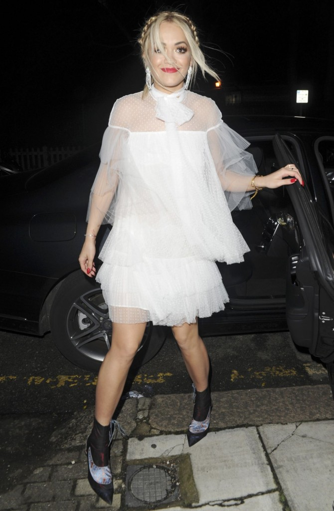 rita-ora-night-out-style-london-12-12-2015_10
