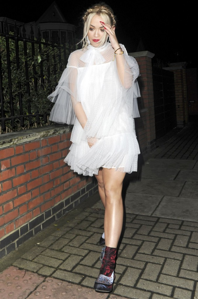 rita-ora-night-out-style-london-12-12-2015_15