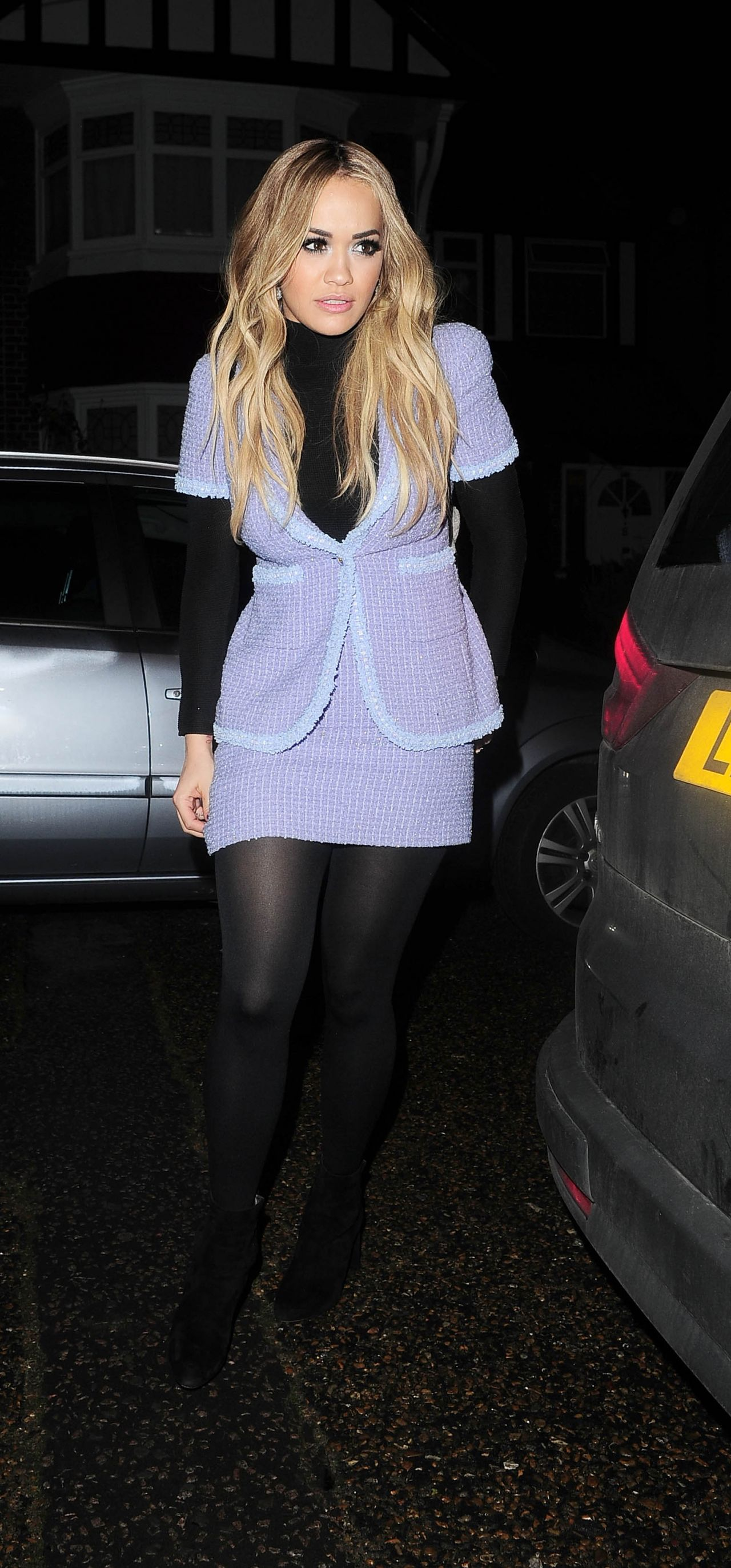 rita-ora-style-out-in-london-12-13-2015-_1