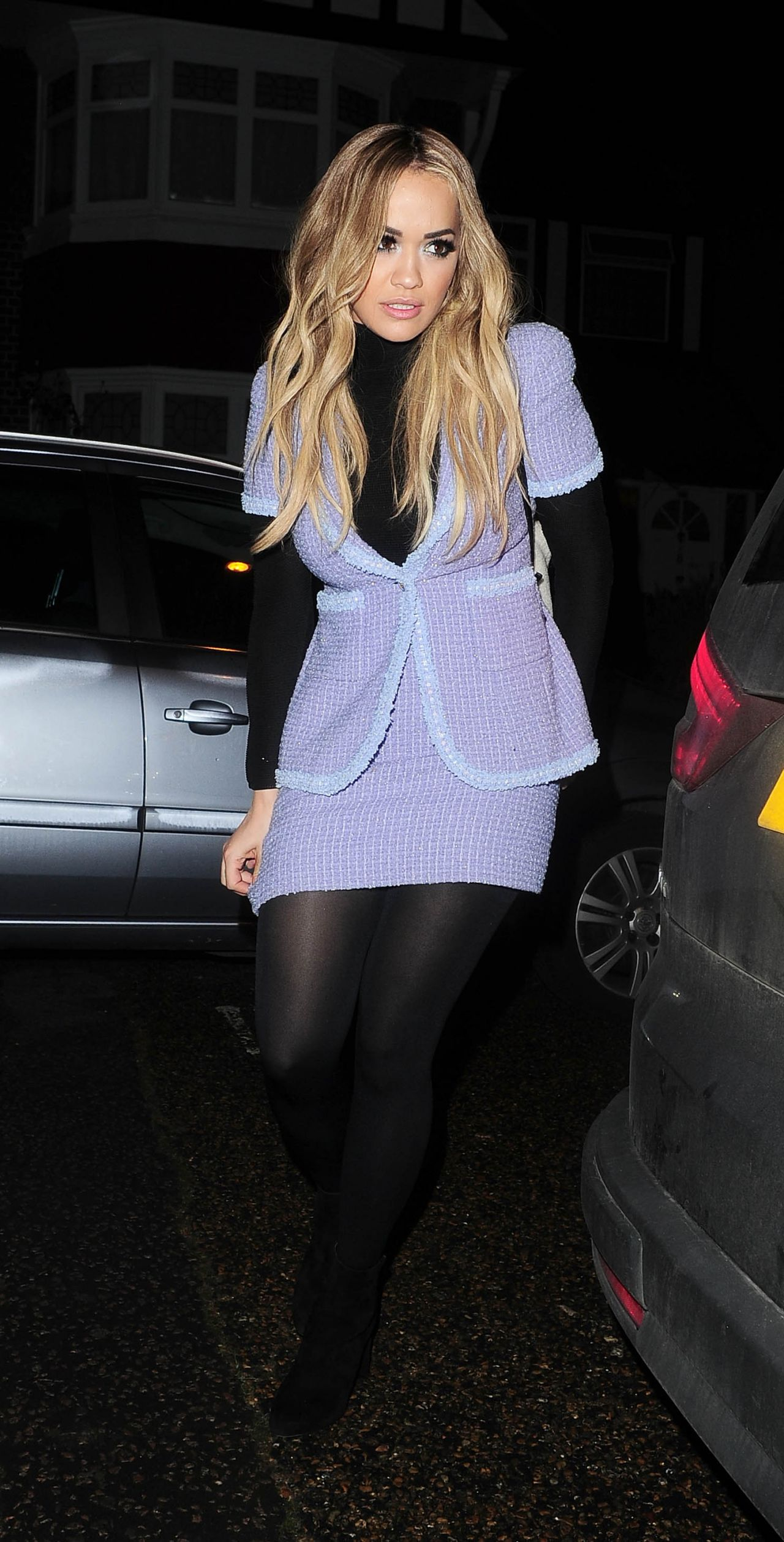 rita-ora-style-out-in-london-12-13-2015-_5-1