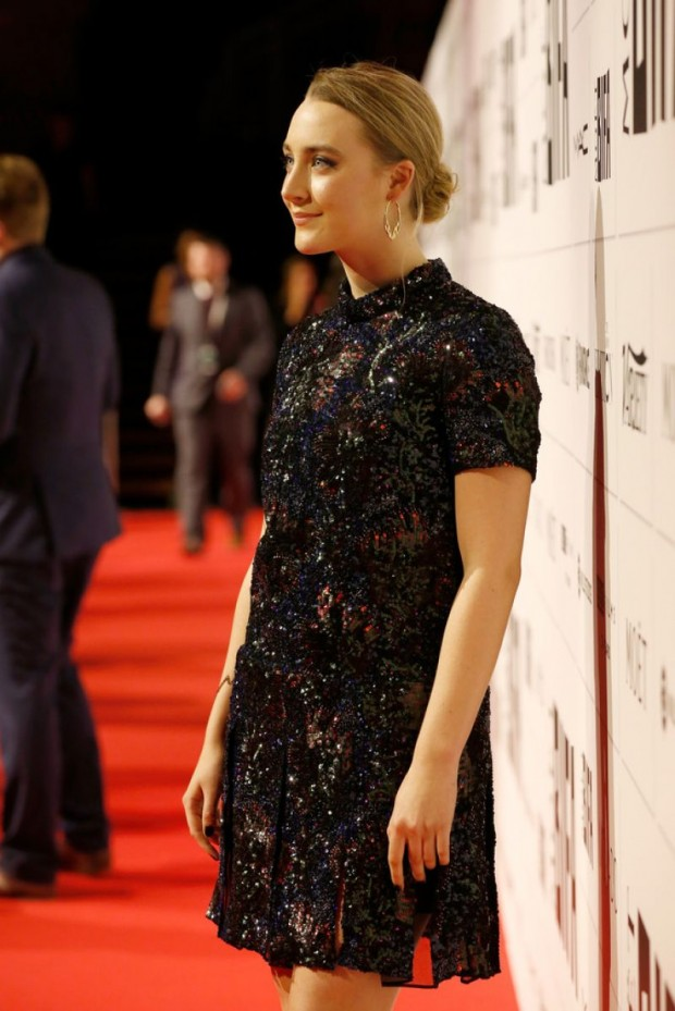 saoirse-ronan-alicia-vikander-at-moet-british-independent-film-awards-2015-in-london-03-620x929