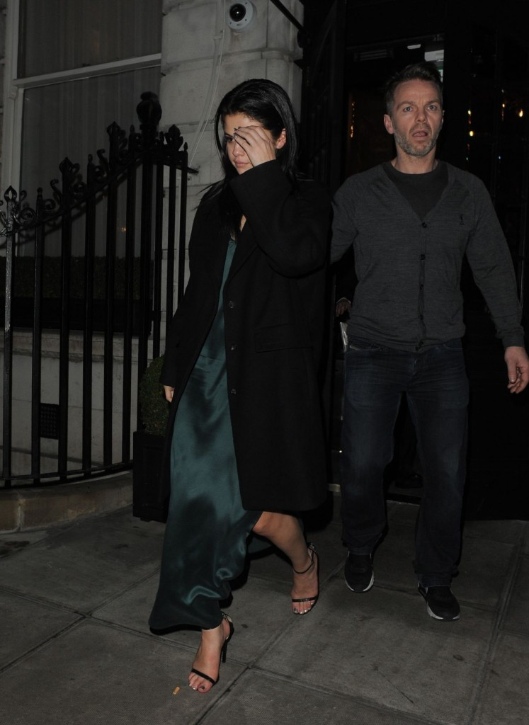 selena-gomez-leaving-the-edition-hotel-in-london-12-13-2015_4