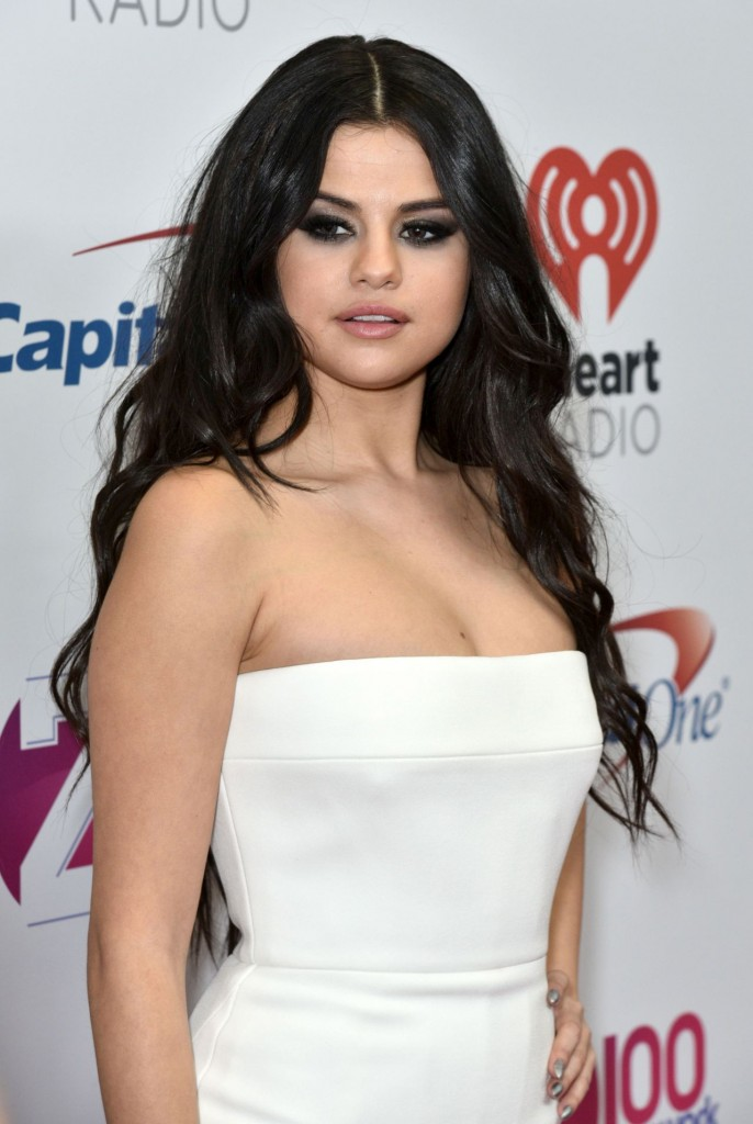 selena-gomez-on-red-carpet-z100-s-jingle-ball-2015-in-new-york-city_1