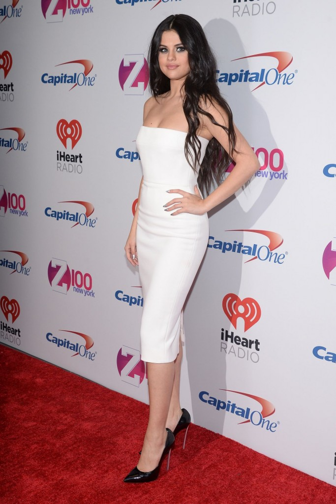 selena-gomez-on-red-carpet-z100-s-jingle-ball-2015-in-new-york-city_26