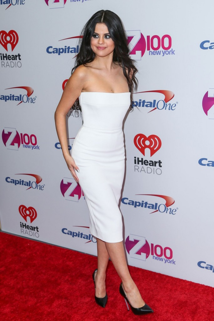 selena-gomez-on-red-carpet-z100-s-jingle-ball-2015-in-new-york-city_40