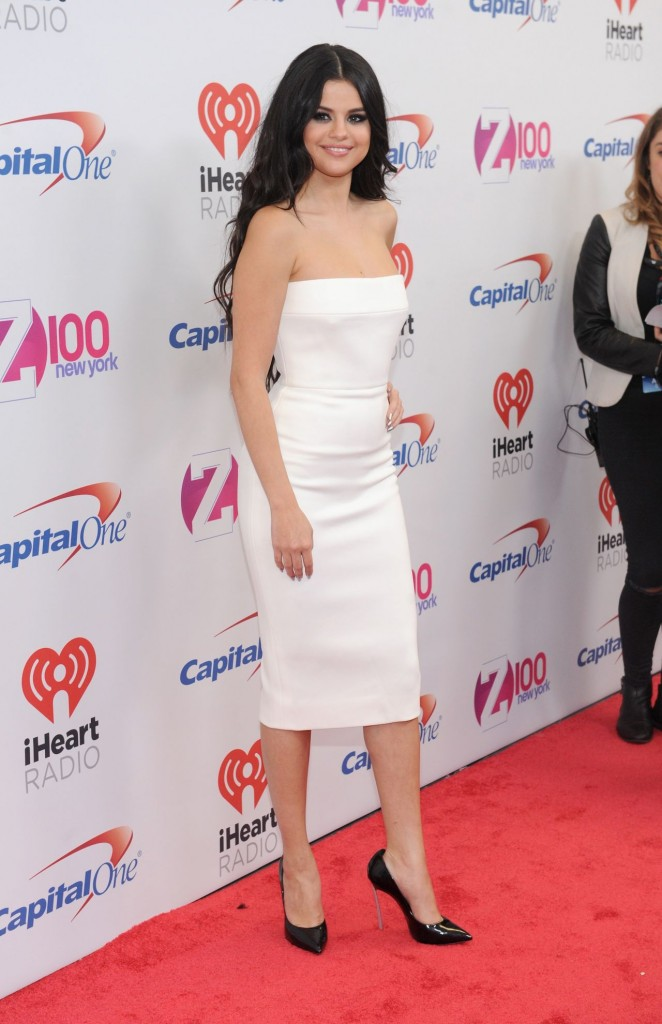 selena-gomez-on-red-carpet-z100-s-jingle-ball-2015-in-new-york-city_5