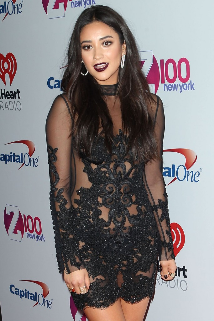 shay-mitchell-z100-s-jingle-ball-2015-in-new-york-city_5