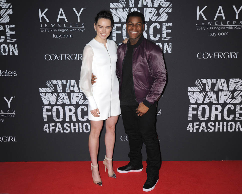 "-fashion--meets-fundraising initiative: Star Wars -""Force -4 -Fashion""- in -NYC"