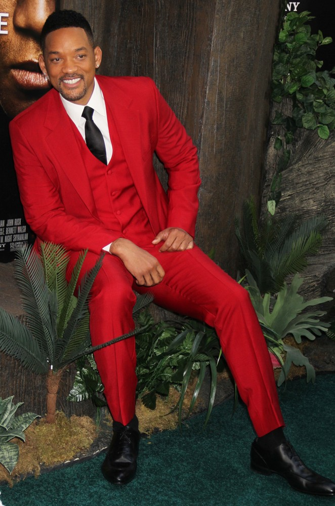 will-smith-in -red -suit