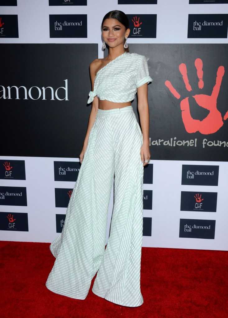 zendaya-2015-diamond-ball-in-santa-monica-12-10-2015_1