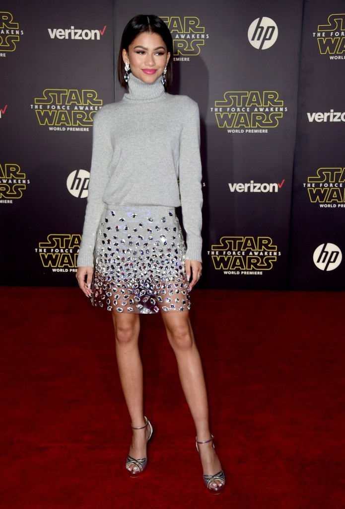 zendaya-star-wars-the-force-awakens-premiere-in-hollywood_11