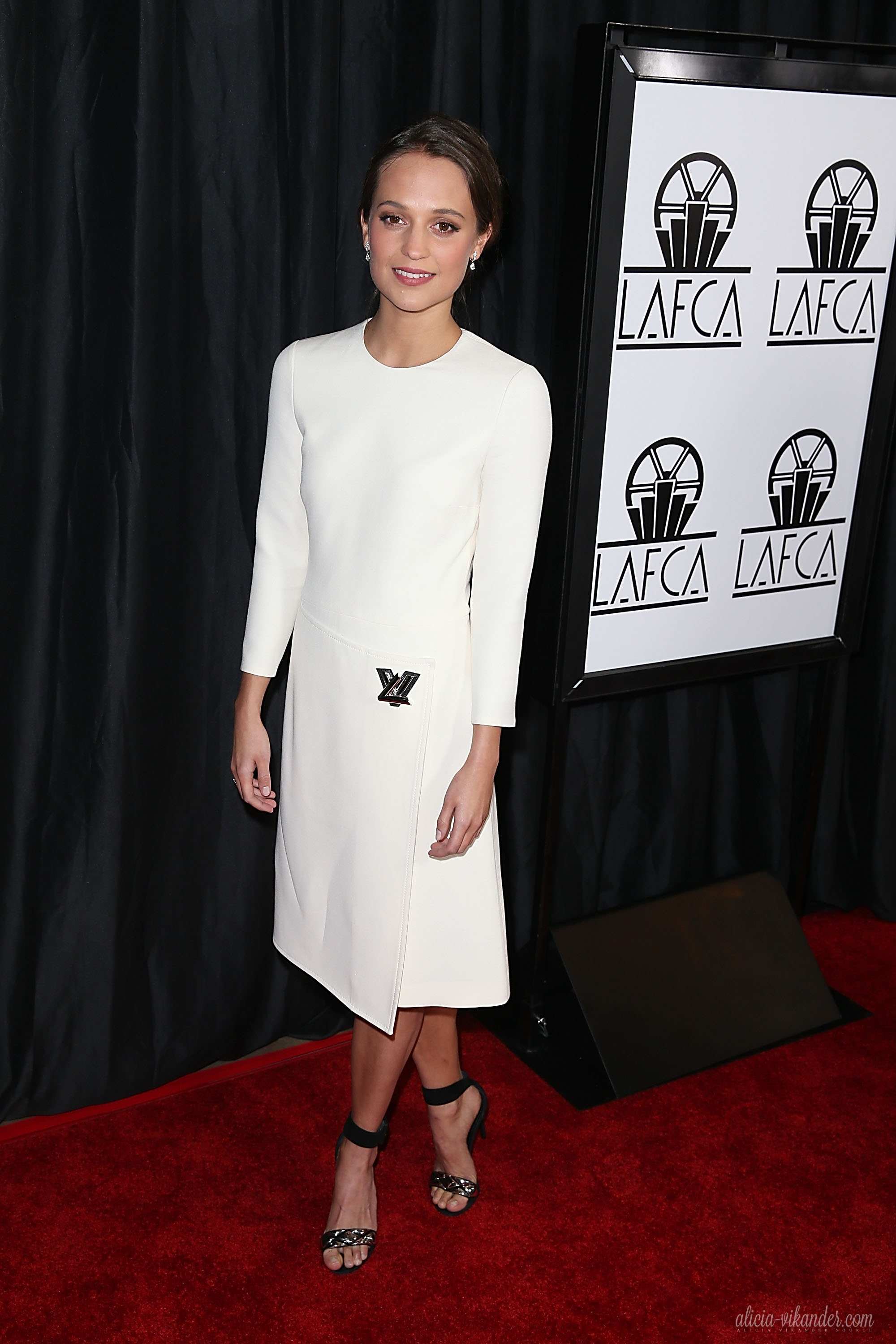 alicia-vikander-at-40th-annual-los-angeles-film-critics-association-awards-in-century-city-01-09-2016_3