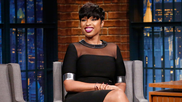 jennifer-hudson-in-mugler-visiting-the-late-night-with-seth-meyers-show