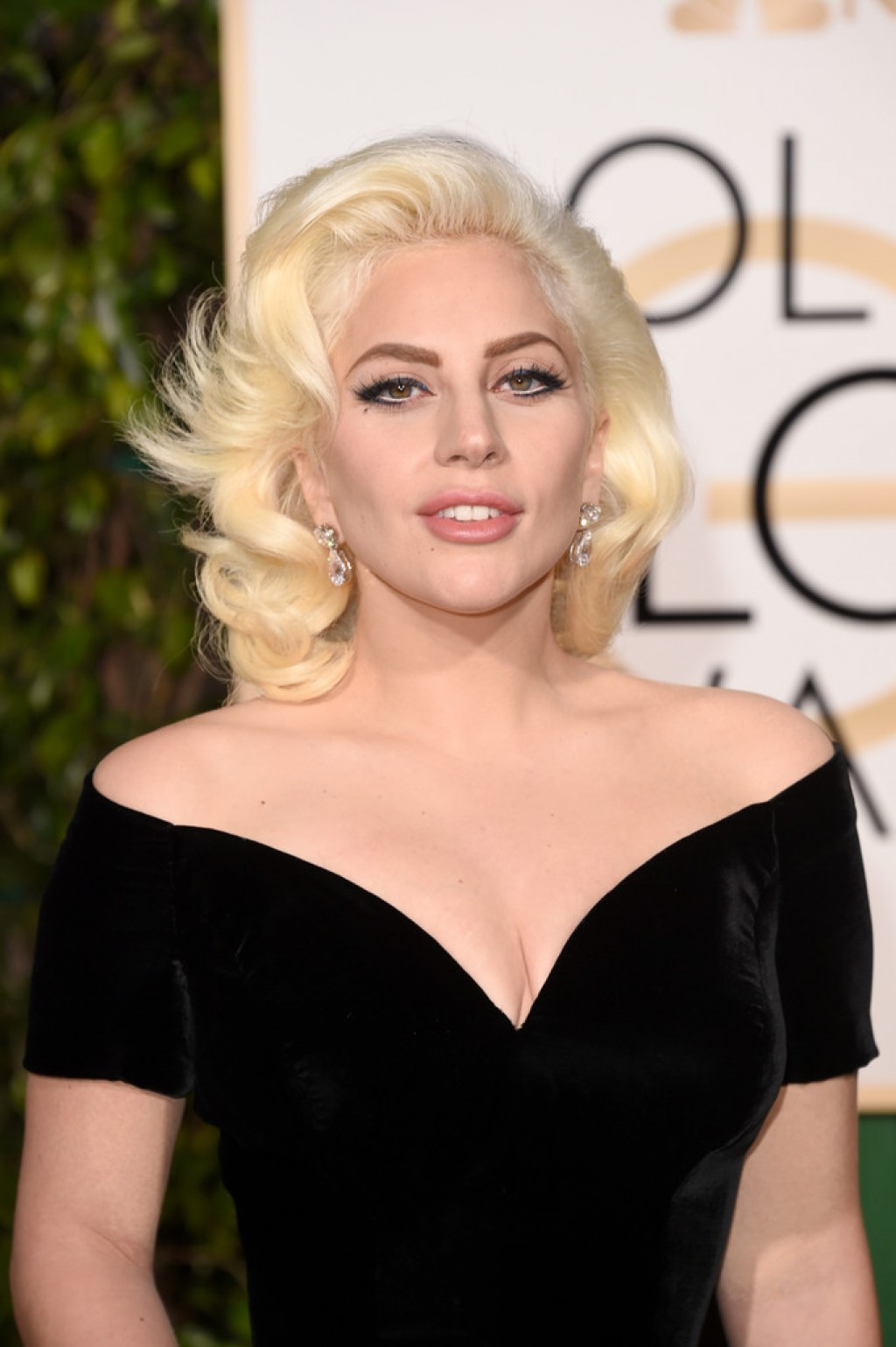 2016-Golden-Globes-Awards-Lady-gaga-Make-up-1024x1539