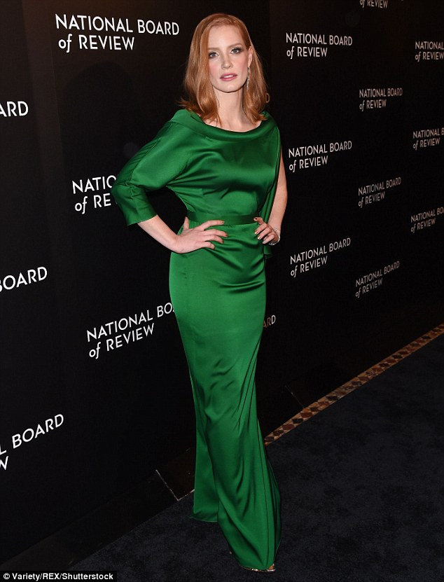 jessica-chastain-in-carl-kapp- 2016-national-board-of-review-gala