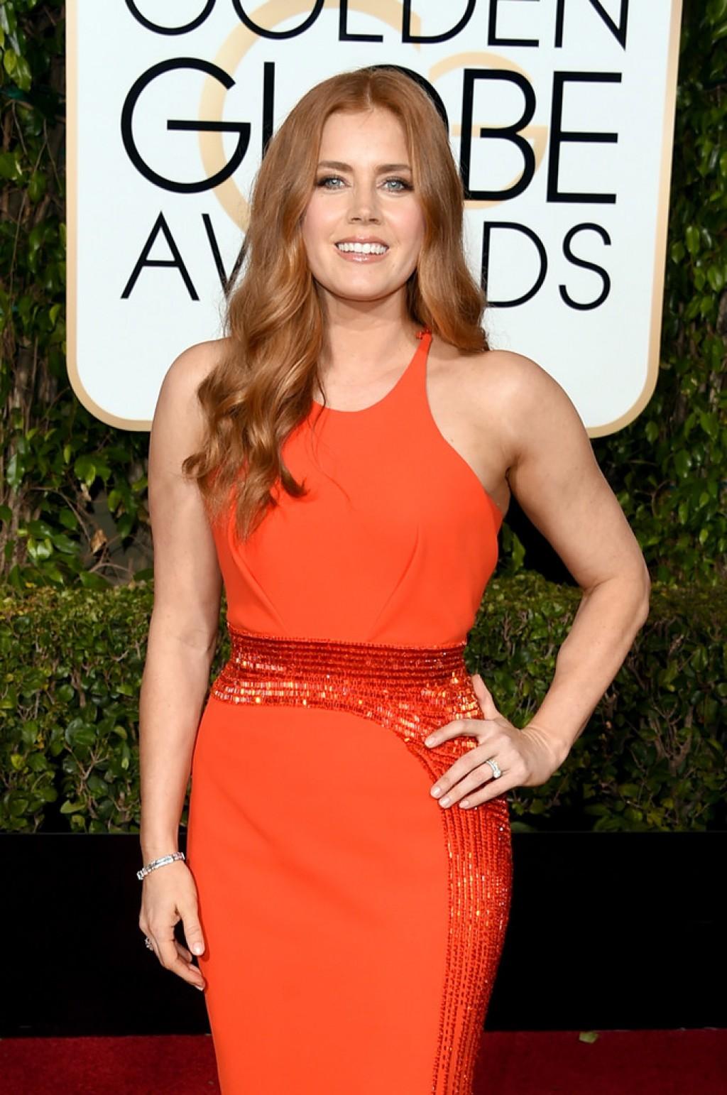 Amy-Adams-2016-Golden-Globe-Awards-1024x1542