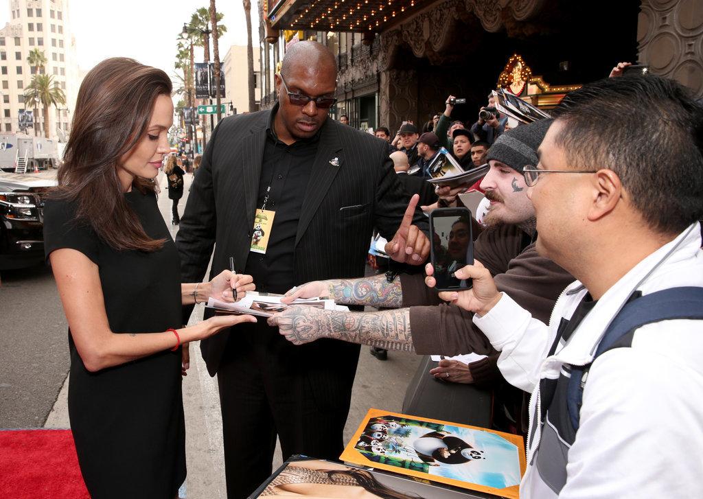Angelina-Jolie-Kung-Fu-Panda-3-LA-Premiere-2016-5