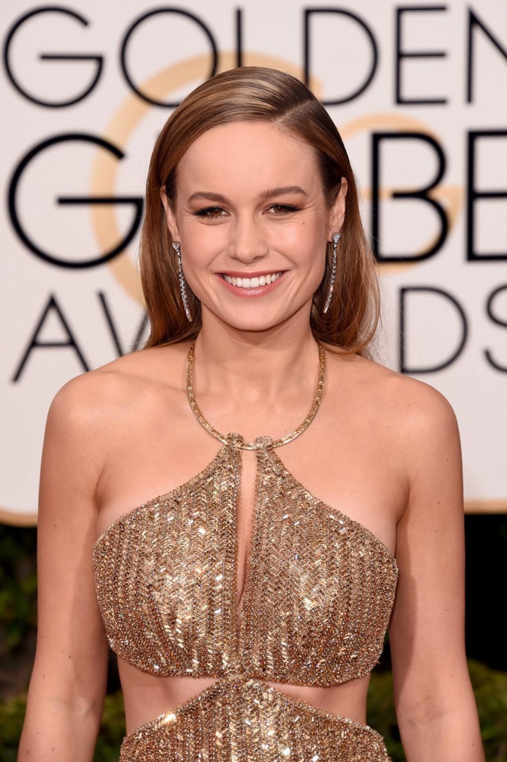 Brie-Larson-2016-Golden-Globe-Awards-3-1024x1539