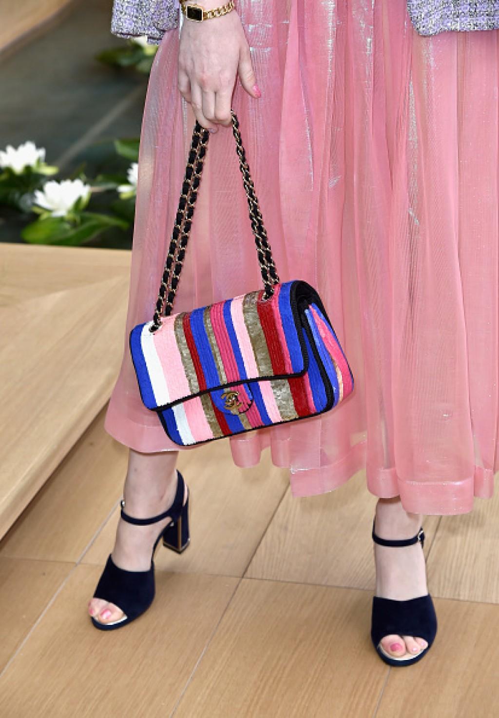 Chanel-Outside-Arrivals-Paris-Fashion-Week-Ellie-Bag-1024x1472