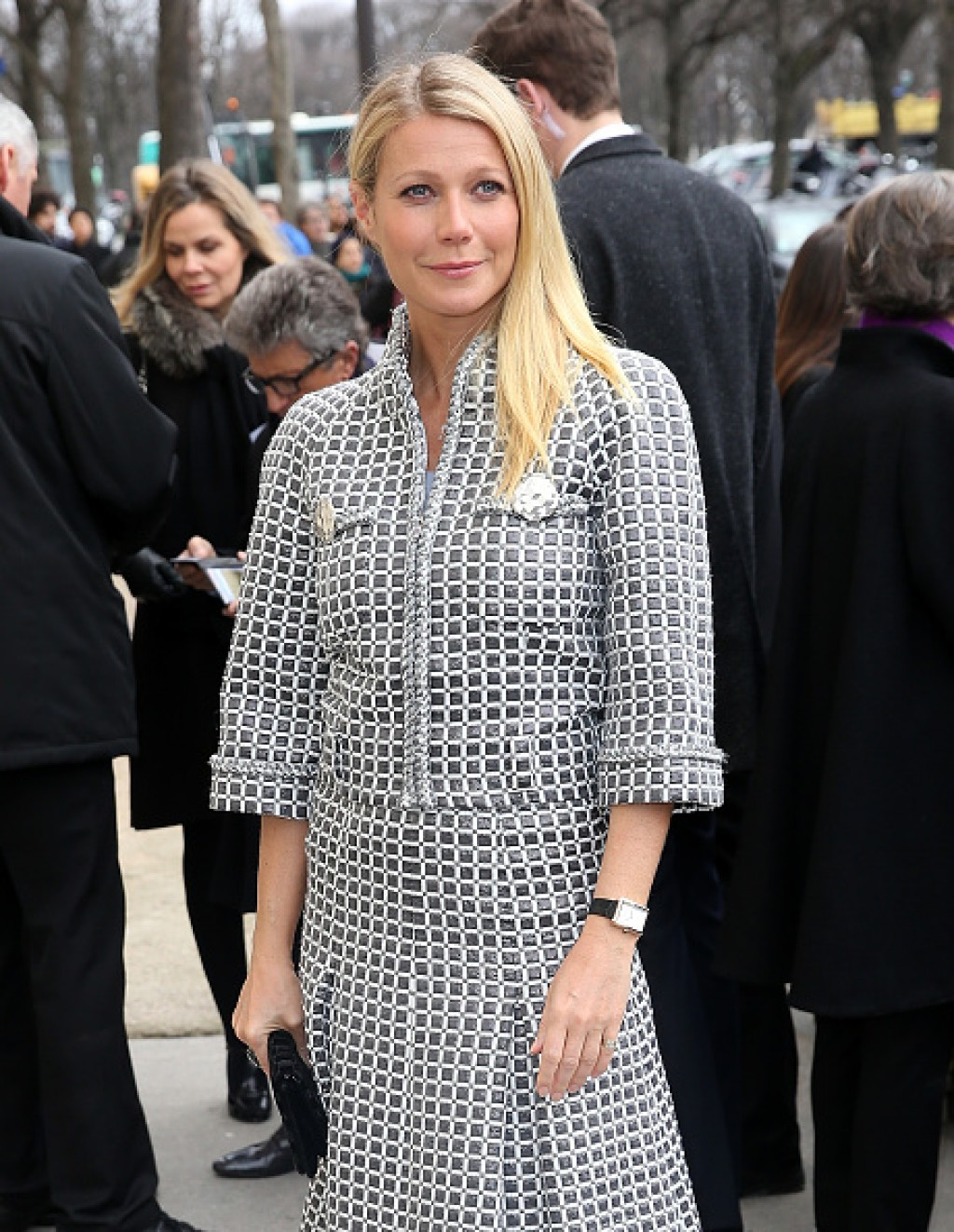 Chanel-Outside-Arrivals-Paris-Fashion-Week-Gwyneth-Half-1024x1322