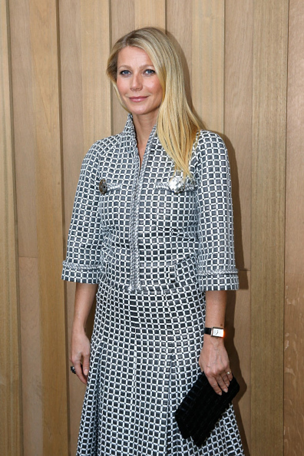 Chanel-Outside-Arrivals-Paris-Fashion-Week-Gwyneth-Makeup-1024x1536