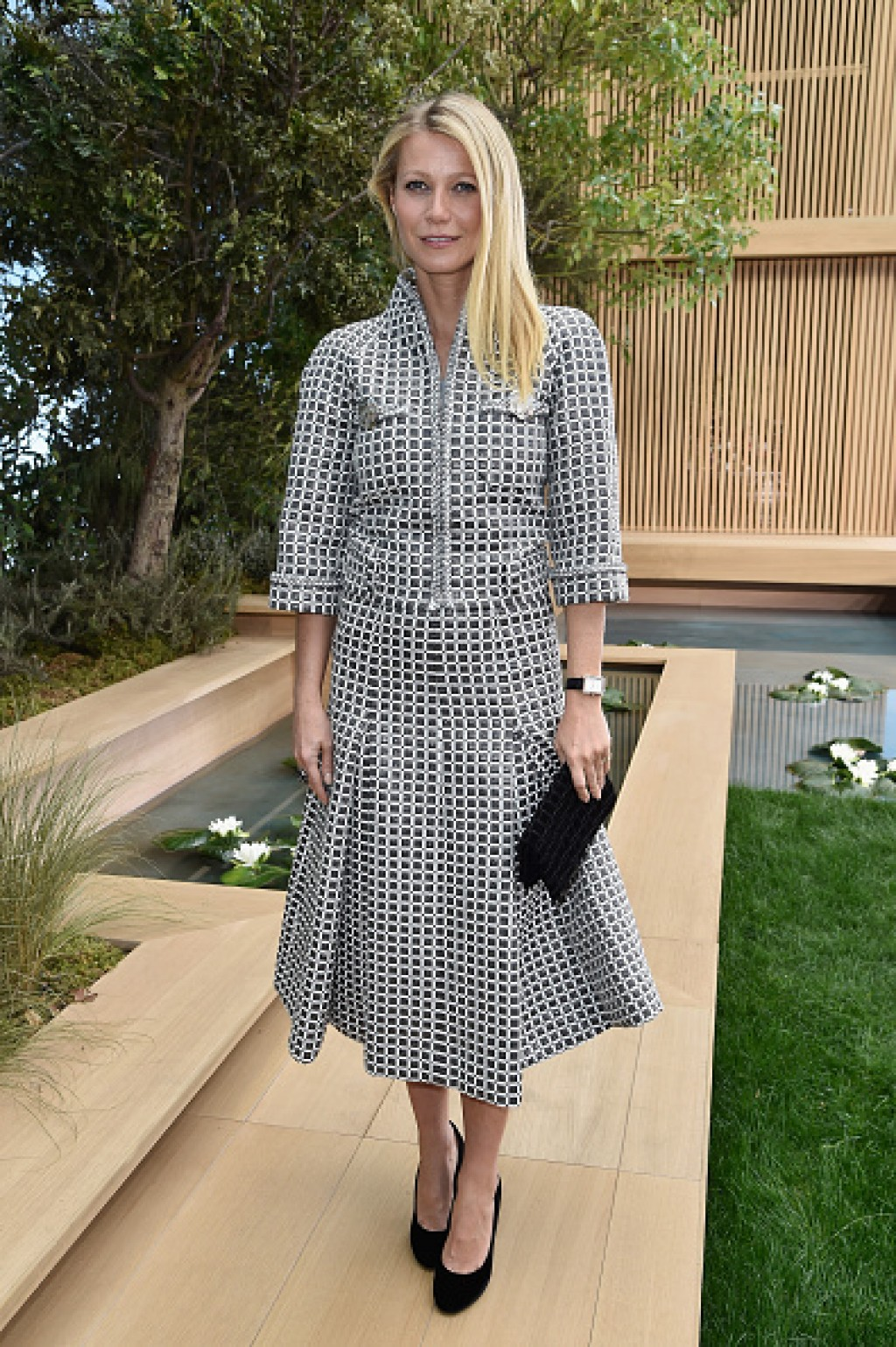 Chanel-Outside-Arrivals-Paris-Fashion-Week-Gwyneth-P-1024x1539