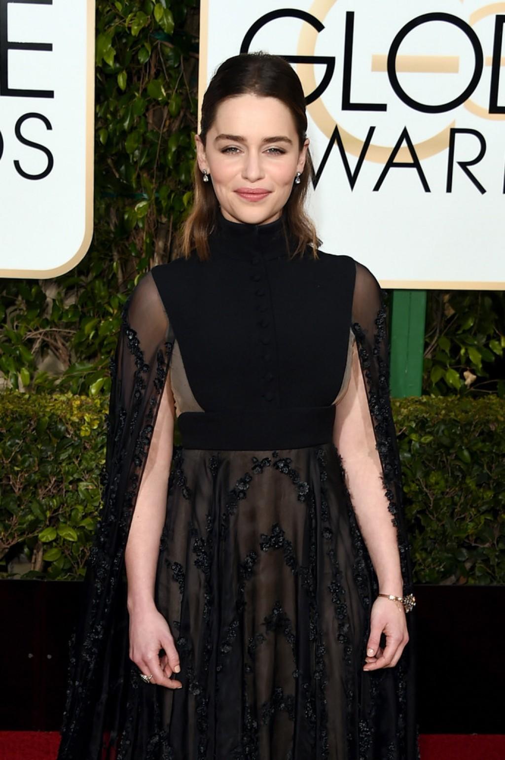 Emilia-Clarke-2016-Golden-Globes-Valentino-a-1024x1542