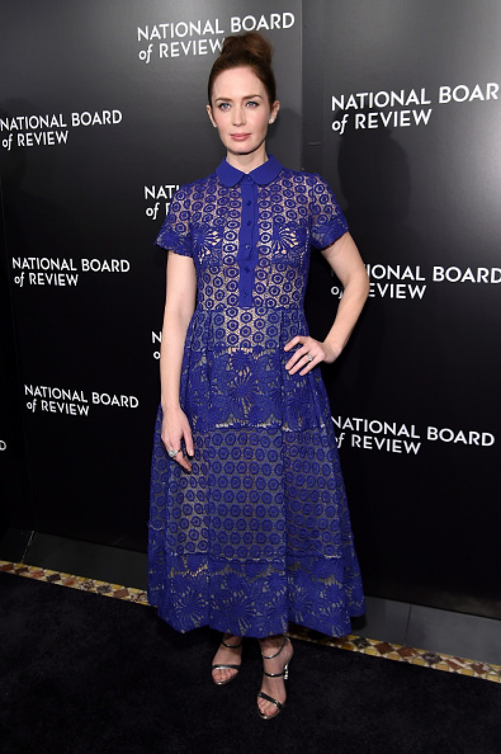 Emily-Blunt-016-National-Board-of-Review-Gala-Blue-dress