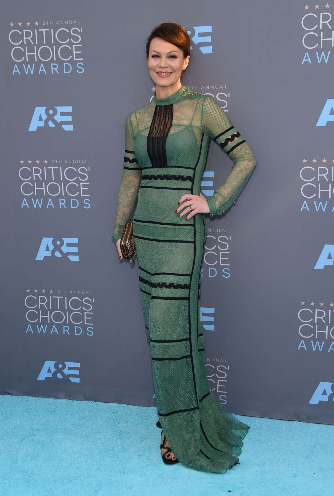 Helen-McCrory--2016-Critics-Choice-Awards-