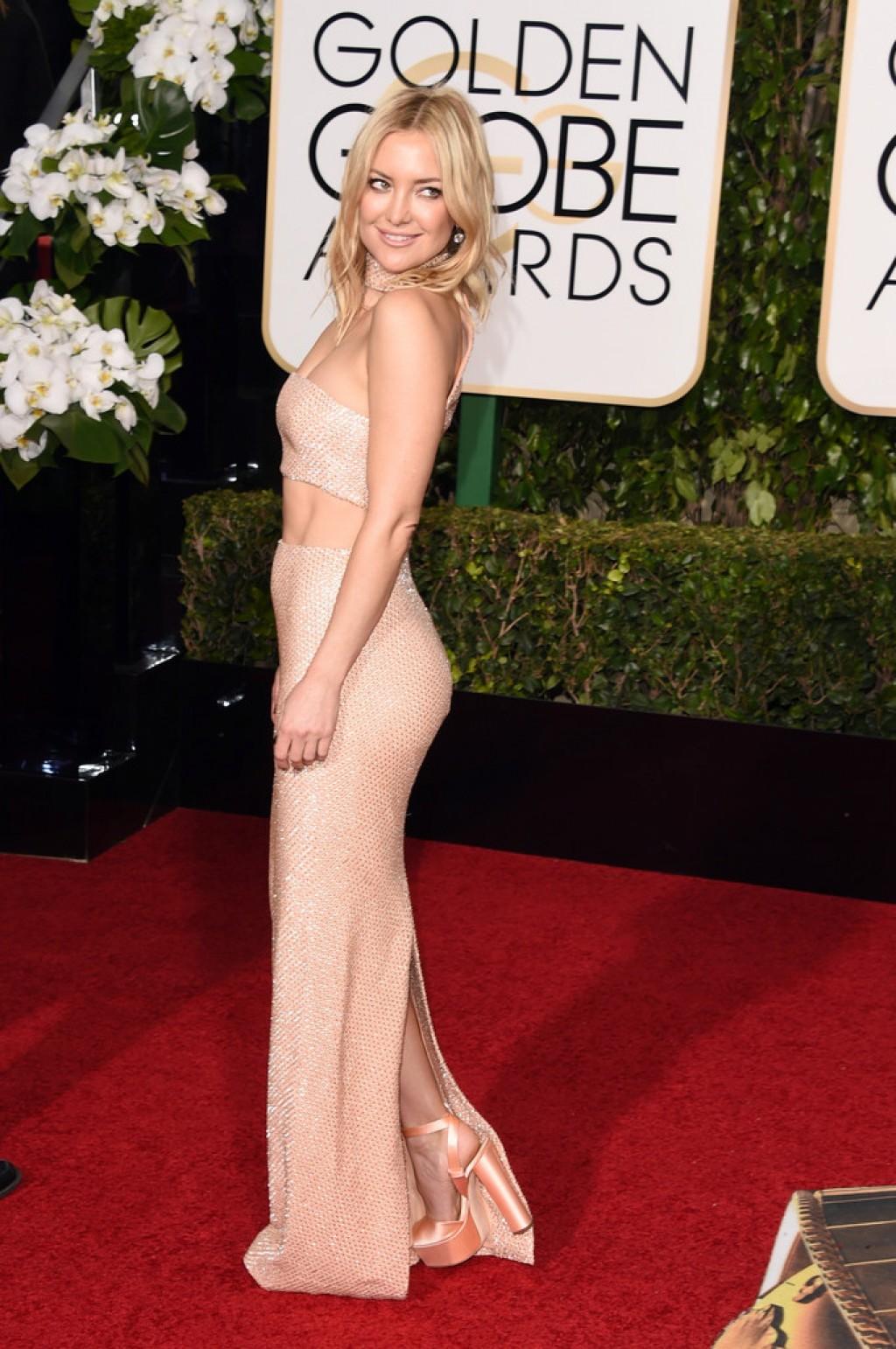 Kate-Hudson-Michael-Kors-Dress-2016-Golden-Globe-Awards-1024x1542