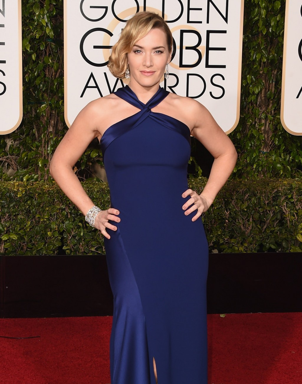 Kate-Winslet-2016-Golden-Globe-Awards-Ralph-Lauren-1024x1299