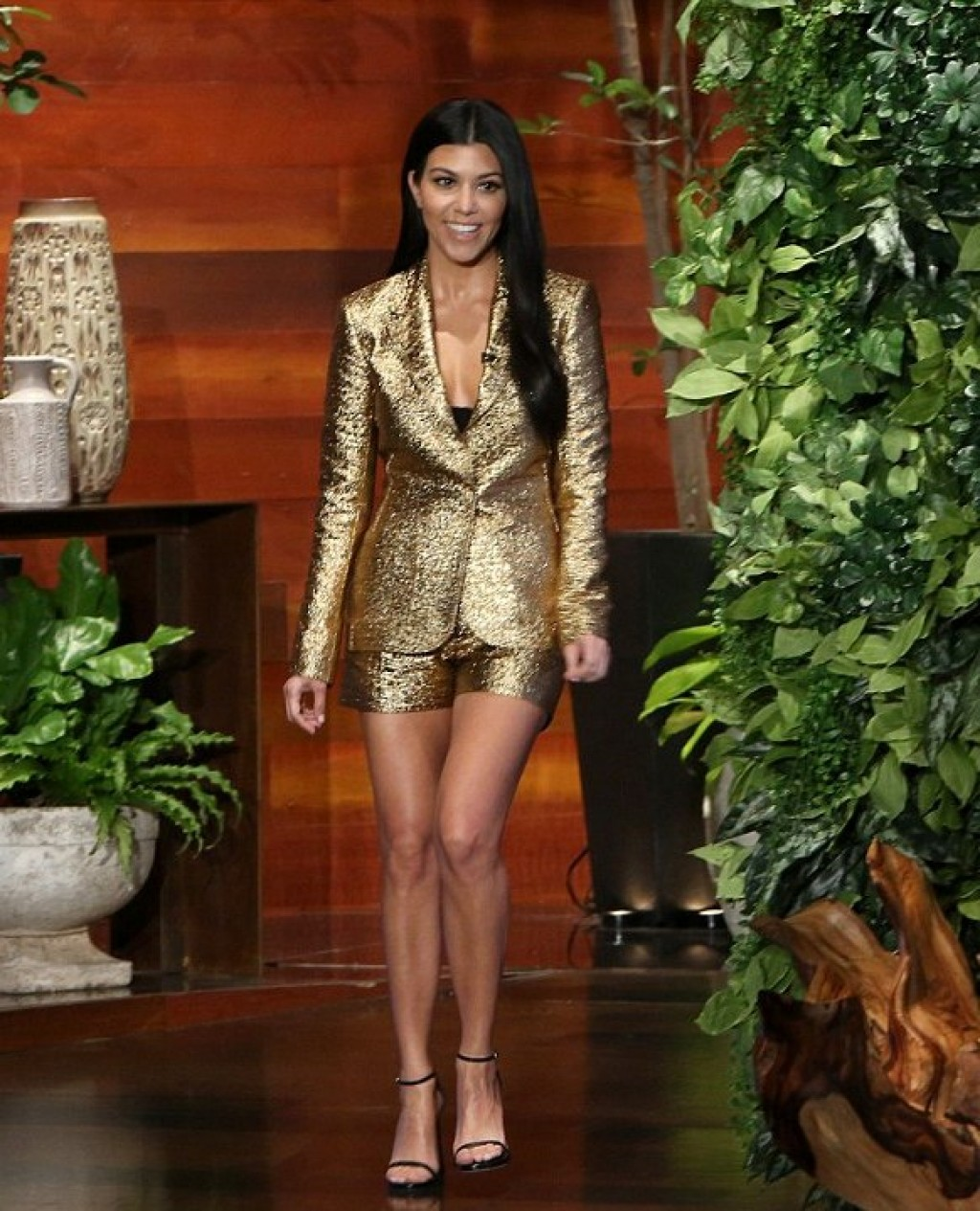 Kourtney-Kardashian-in-Lanvin-