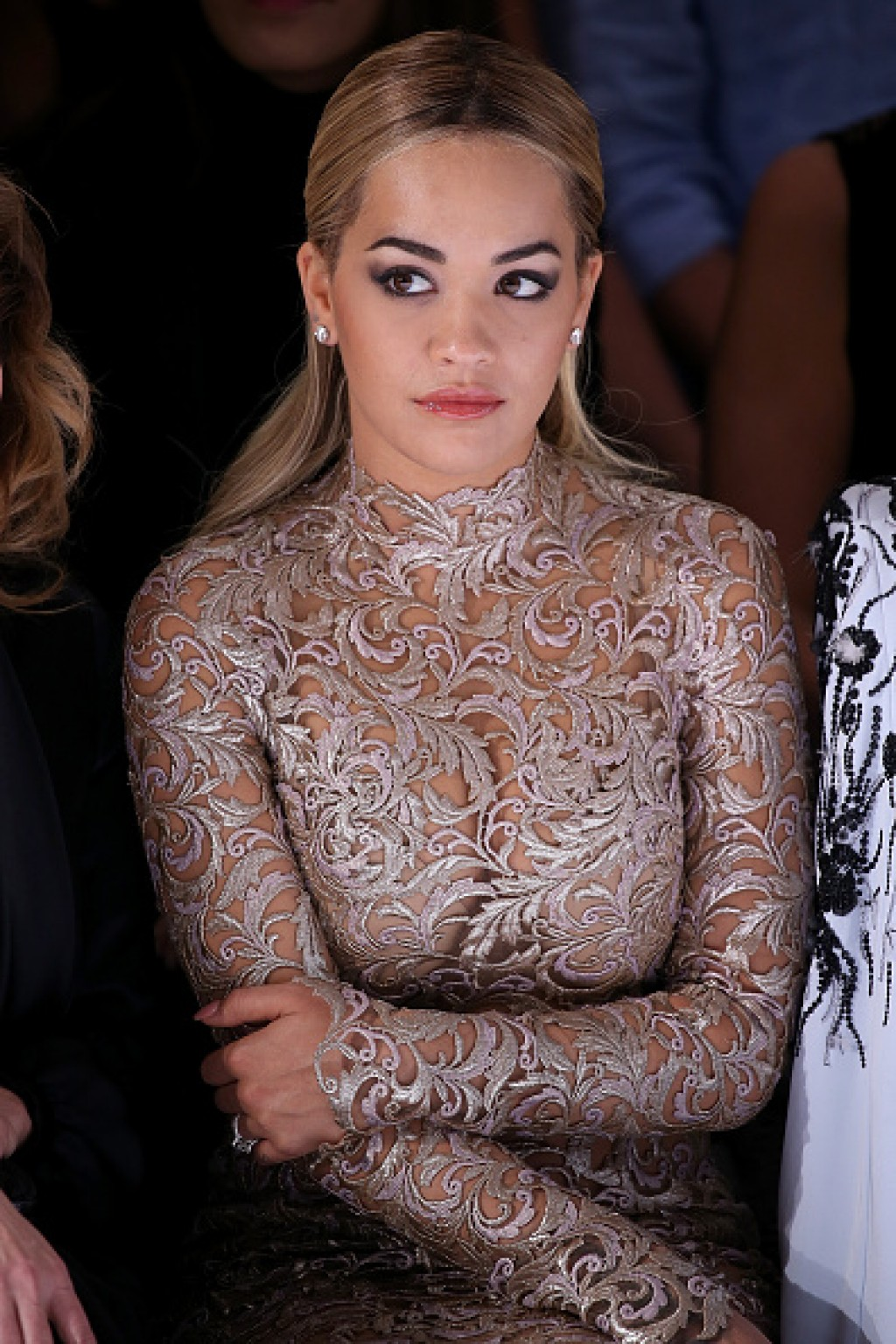 Ralph-Russo-Backstage-Paris-Fashion-Week-Haute-Couture-Spring-Summer-2016-Rita-Ora-1024x1536