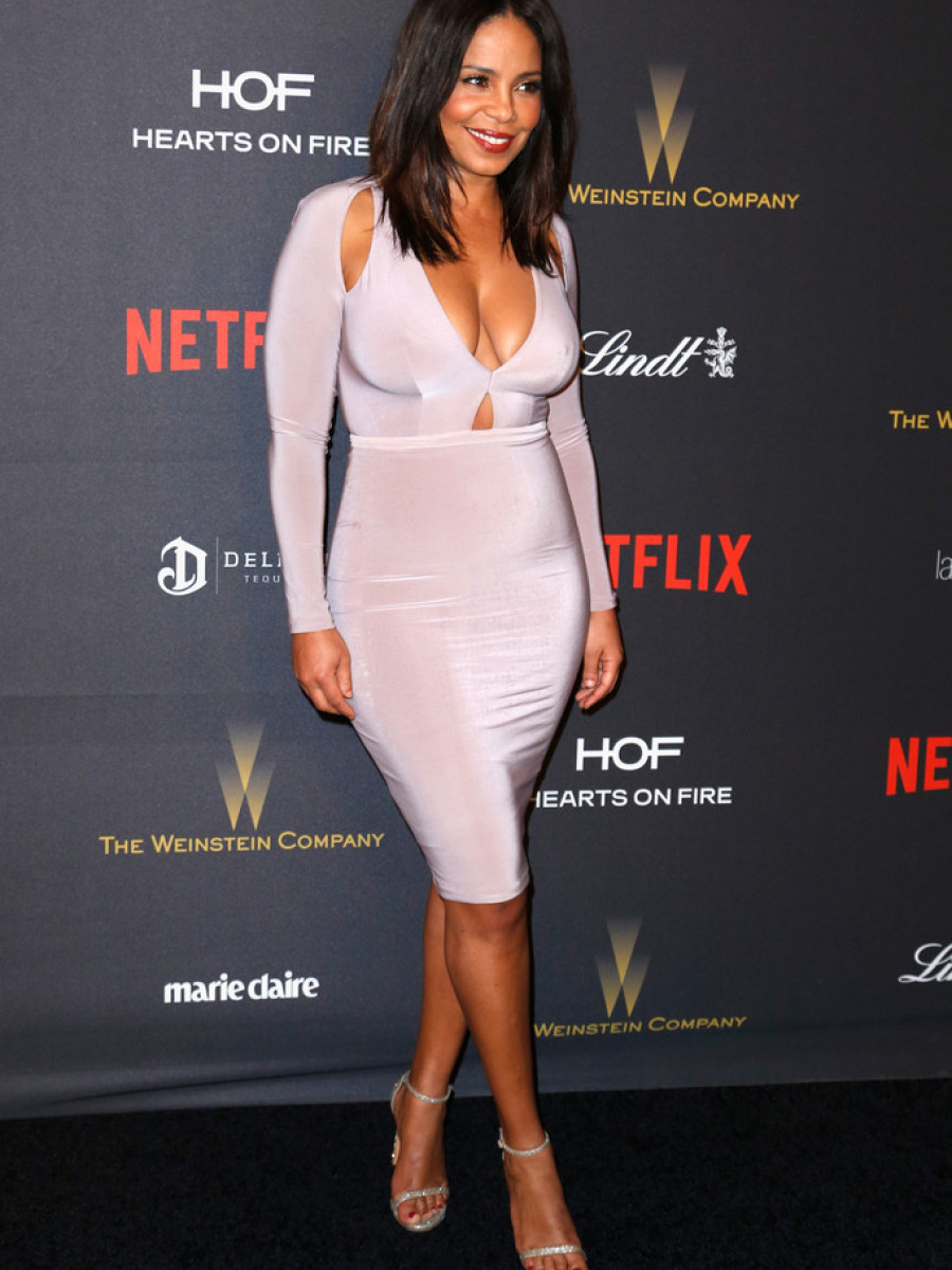 Sanaa-Lathans-2016-Weinstein-Company-and-Netflix-Golden-Globe-Awards-After-Party-Abyss-by-Abby-Pink-Cut-Out-Desire-Bodycon-Dress-900x1200