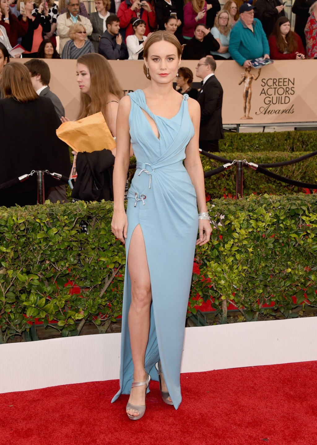 Screen-Actors-Guild-Awards-Brie-Larson-Dress-1024x1438