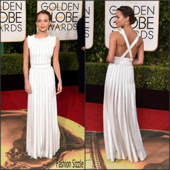 alicia-vikander-in-louis-vuitton-73rd-golden-globe-awards-