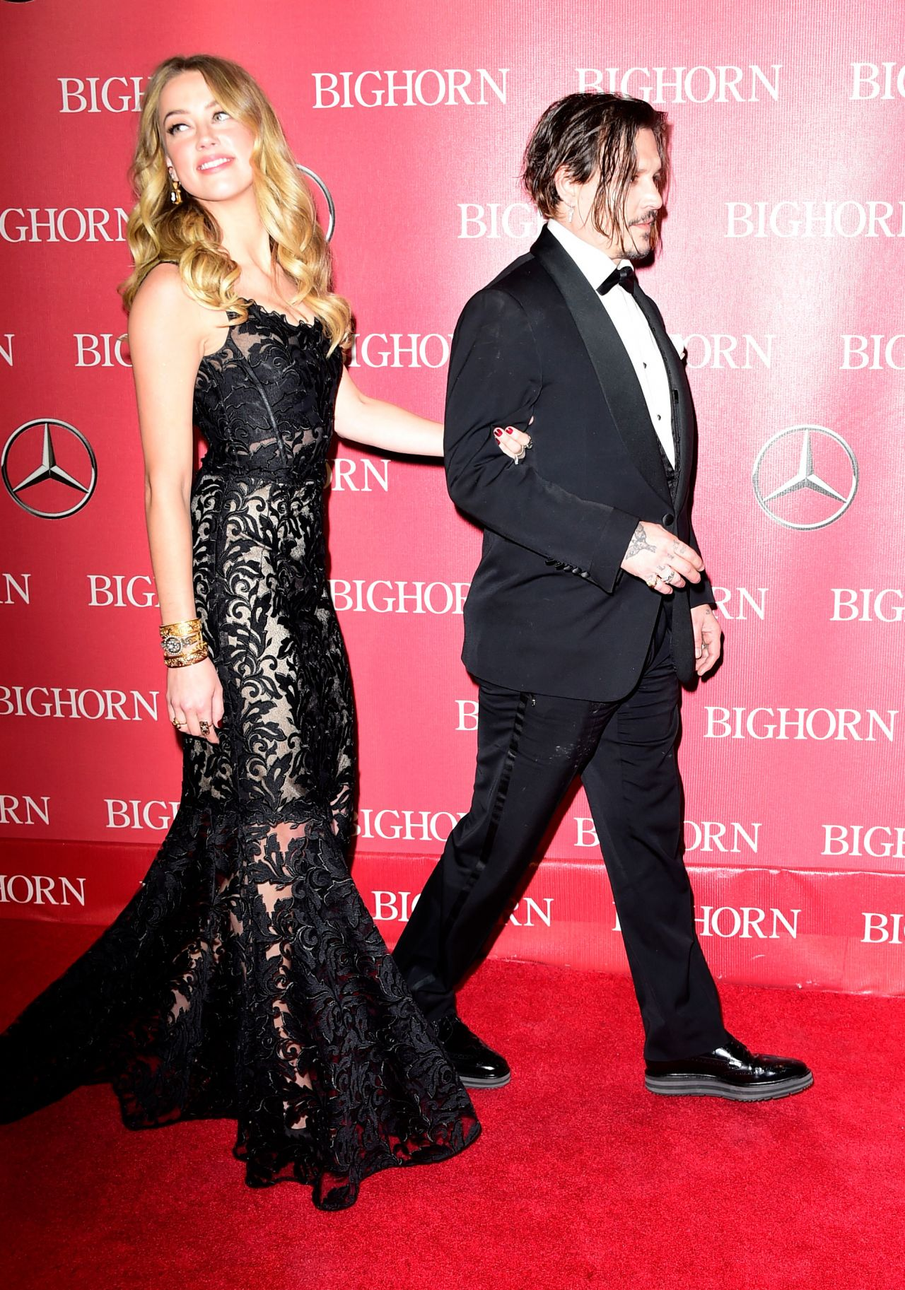 amber-heard-and-johnny-depp-2016-palm-springs-international-film-festival-awards-gala-15